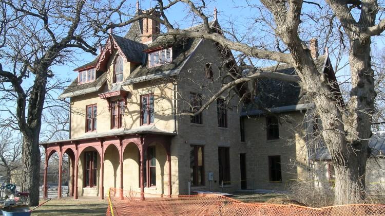 LeDuc mansion exterior
